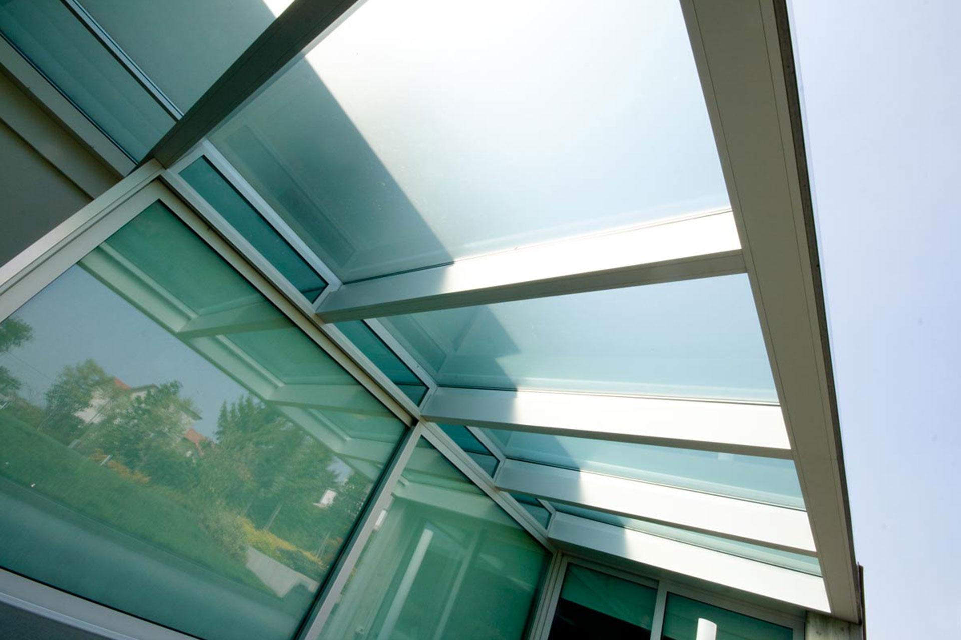 installazione serramenti tetto bianchi udine casa privata