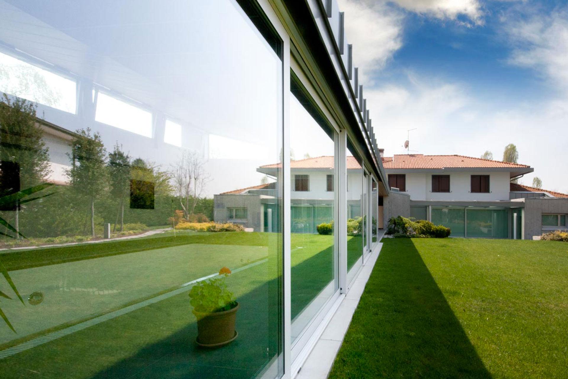 installazione serramenti scorrevoli bianchi udine casa privata 1